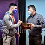 Град Скопје го награди боксерот Ардијан Аземи со 100.000 денари